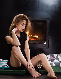 Susie bare in erotic MIEALE gallery - MetArt.com