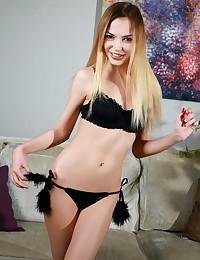 Jasmine Hane nude in glamour FERIZA gallery - MetArt.com