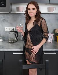 Erna nude in glamour NERACA gallery - MetArt.com