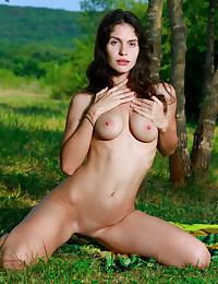Yasmina naked in glamour DUKOZA gallery - MetArt.com