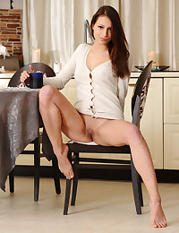 Yarina A bare in erotic NEJIA gallery