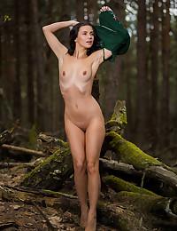 Jasmine Jazz naked in erotic CARONO gallery - MetArt.com