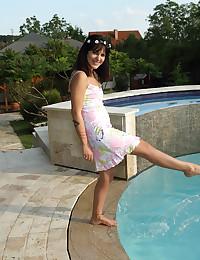 FLOWER HALO with Gina Gerson, Bella Beretta - ALS Scan