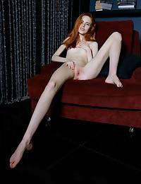 Bella Milano nude in erotic SAPOE gallery