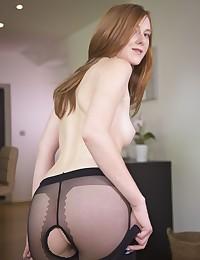 Linda Sweet nude in erotic EGG CITED gallery - MetArt.com