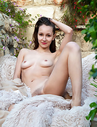 Megan Muse naked in erotic CHILLING OUT gallery
