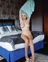 Maible bare in softcore Temptress gallery