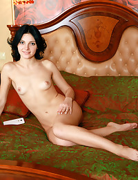 Erotic Hotty - Naturally Beautiful Amateur Nudes