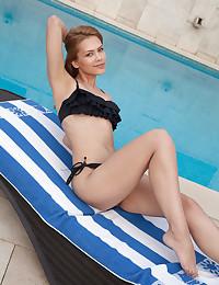 Laina nude in erotic SUNBATHING gallery - MetArt.com