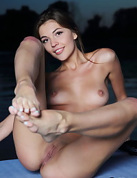Monika Dee nude in glamour PADDLEBOARD gallery - MetArt.com