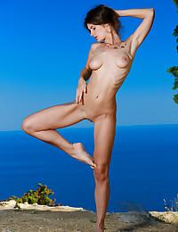 Yasmina naked in erotic FIT FUN gallery
