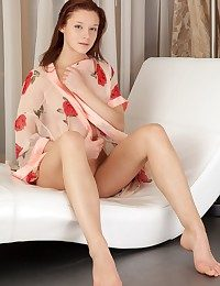 Uber-cute redhead with fresh, undevious attraction and nubile body.
