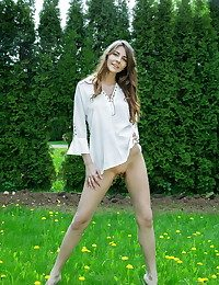 Olwen naked in softcore LAVIDU gallery