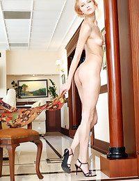 Erotic Sweetie - Naturally Mind-blowing Fledgling Nudes
