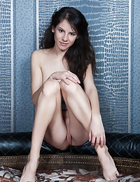 Swan A bare in erotic HERIDY gallery
