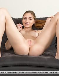 Amelia Gin bare in erotic LIFORMA gallery - MetArt.com
