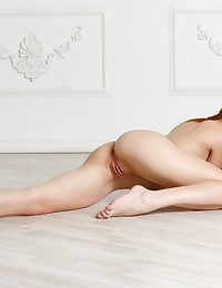 Softcore Cutie - Naturally Luxurious Unexperienced Nudes