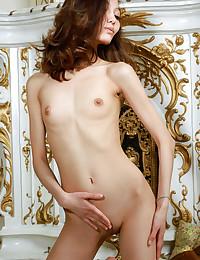 Anna Aki naked in glamour VERTIN gallery - MetArt.com