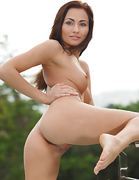 Michaela Isizzu naked in erotic LEISS gallery - MetArt.com