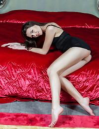 Quinn A bare in glamour MERINE gallery - MetArt.com