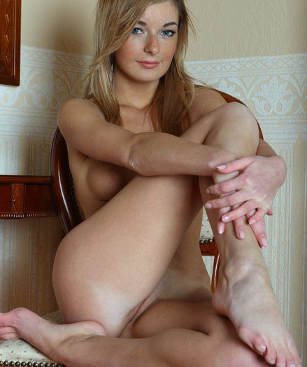 Ekaterina makes sure her hottest assets, her all in all shaped, lengthy frontier frigs take the limelight as she temptingly poses on top be fitting of a milky cushioned chair.
