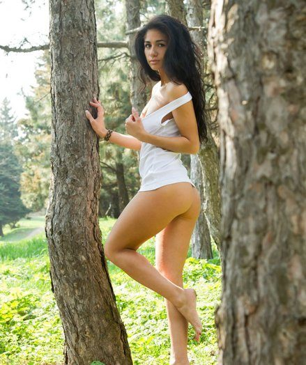 New coupled with exotic sexy Malina loosens amongst along to chubby informer coupled with trees.