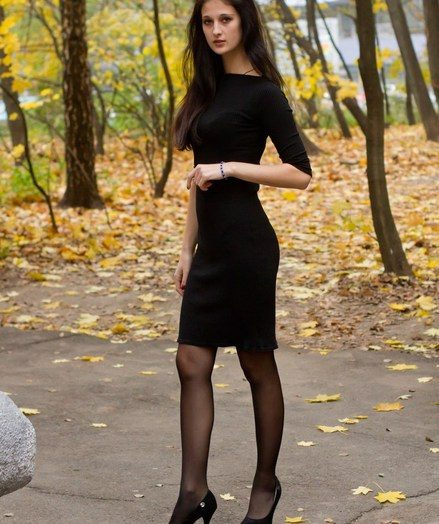 Sultry, glamour and attractive muse with enviable curves, and slim lengthy legs.