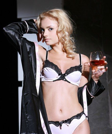 Stunning poses and artistic compositions unconnected with an effortlessly provocative blonde.