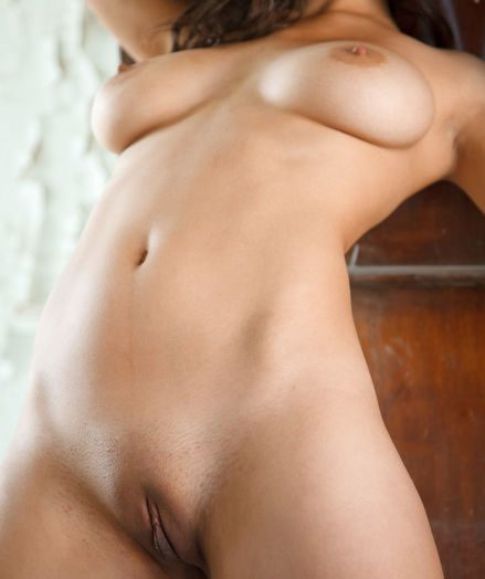 Glamour Bombshell - Naturally Handsome Unexperienced Nudes