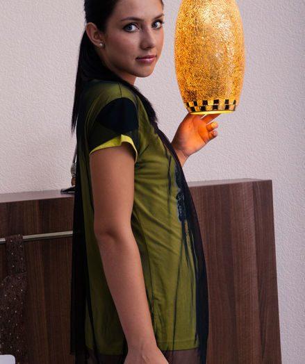 Kantata bare in glamour NAHARI gallery