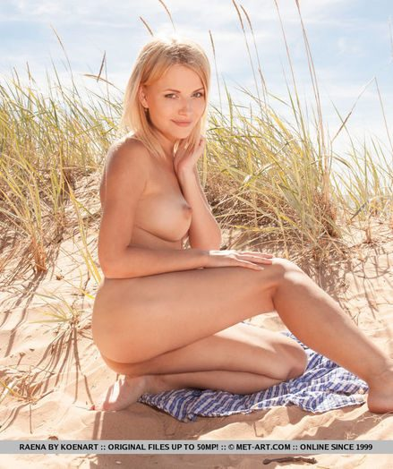 Raena naked in glamour MOSHEE gallery