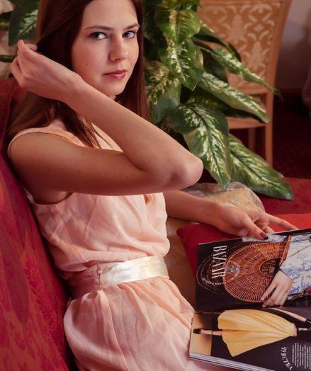 Juliett Lea bare in glamour DALETT gallery