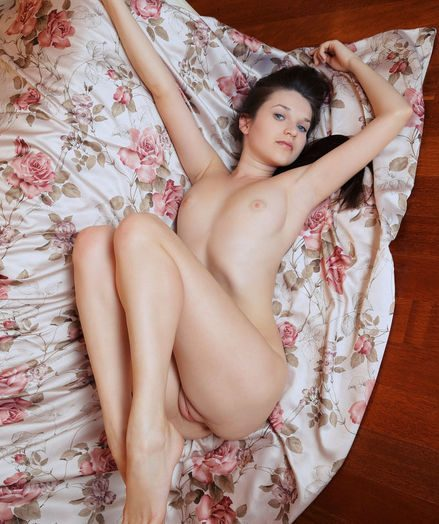 Serena Wood nude in softcore THELLY gallery
