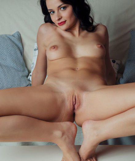 Ardelia A bare in softcore TIELLA gallery