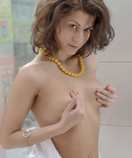 Glamour Hottie - Naturally Uber-sexy Unexperienced Nudes