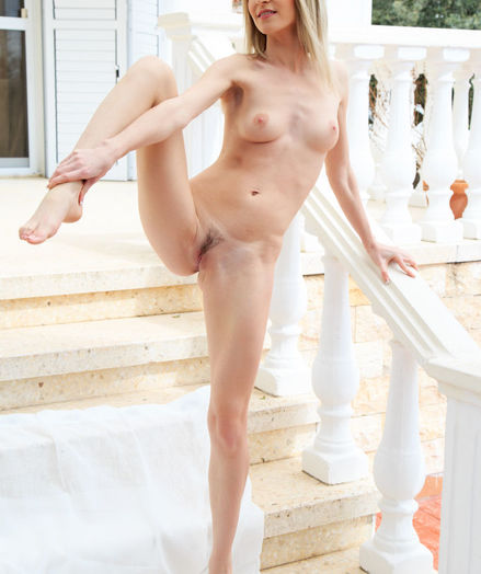 Janelle B bare in softcore JANELL gallery - MetArt.com