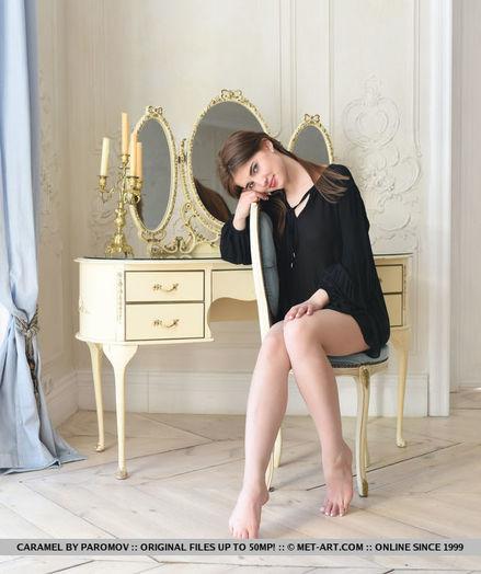 Caramel nude in glamour JENAD gallery