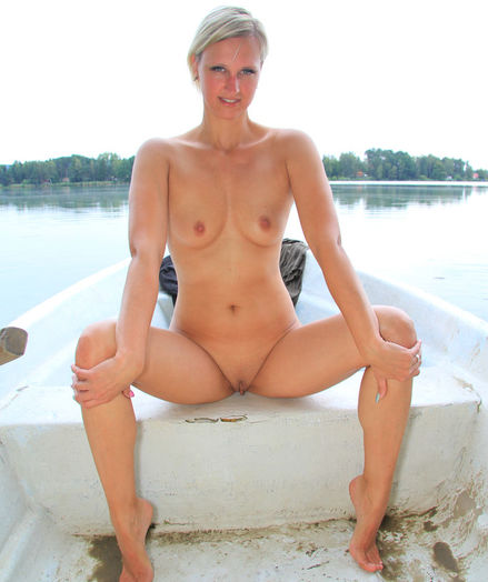 Glamour Ultra-cutie - Naturally Cool Inexperienced Nudes