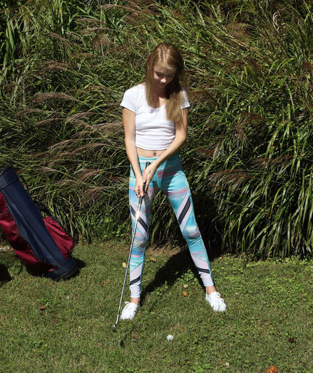 TEEING OFF with Hannah Hays