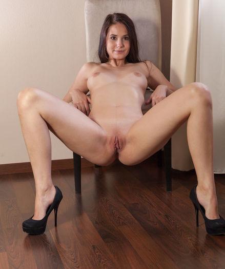 Vanessa Angel bare in glamour REPIMA gallery - MetArt.com