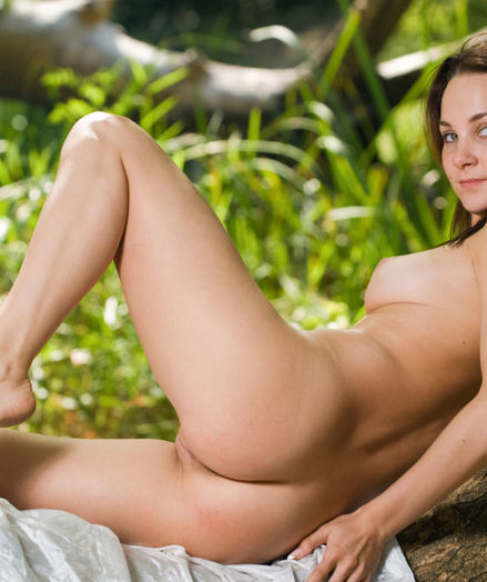 Glamour Cutie - Naturally Jaw-dropping Amateur Nudes