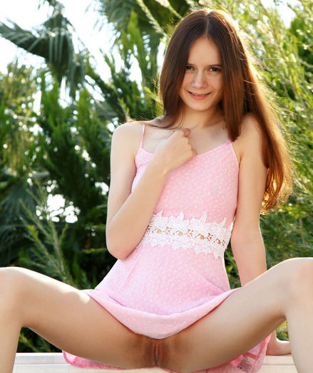 Eiby Shine nude in glamour LETINE gallery