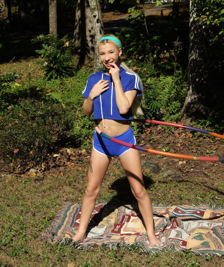 SPORTY FUN with Kenzie Reeves - ALS Scan