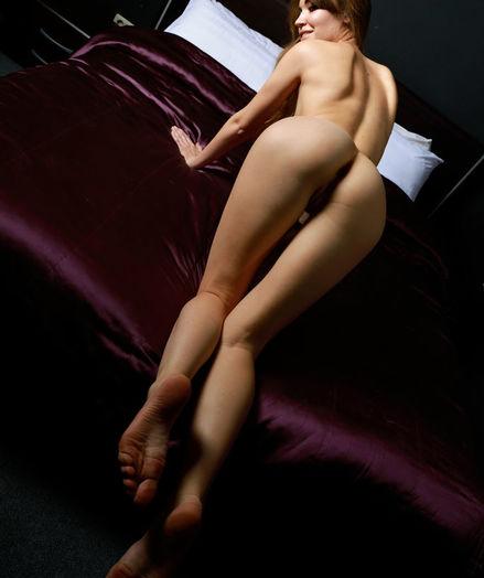 Glamour Hottie - Naturally Beautiful Amateur Nudes