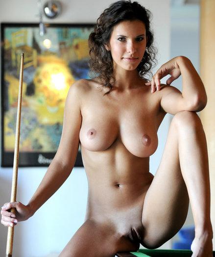 Suzanna A bare in erotic WYRETI gallery - MetArt.com