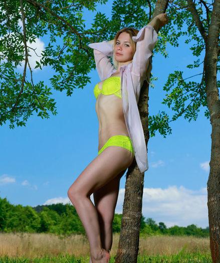 Elisa Liv nude in glamour ALUTTA gallery