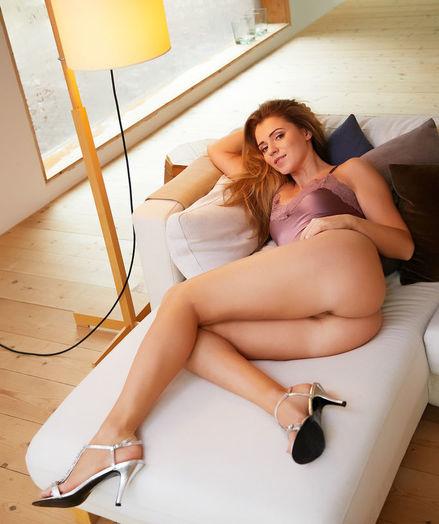 Kalisy nude in erotic SILK VIXEN gallery
