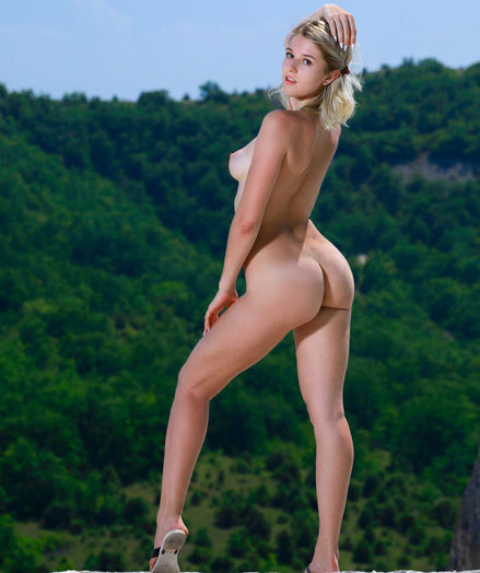 Libby nude in glamour SCENIC gallery