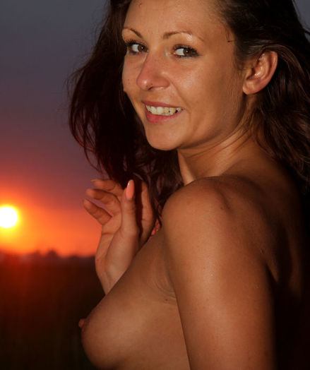 Glamour Beauty - Naturally Beautiful Fledgling Nudes