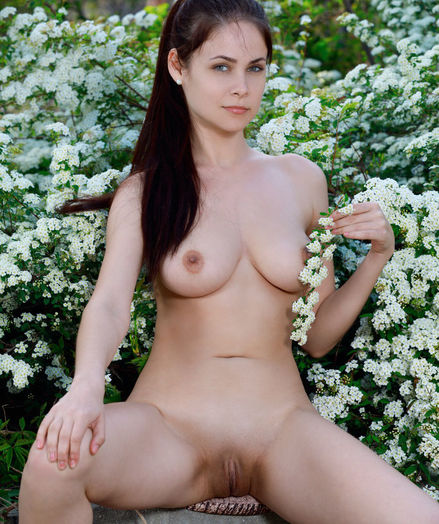 Martina Mink naked in erotic HEAVENLY gallery
